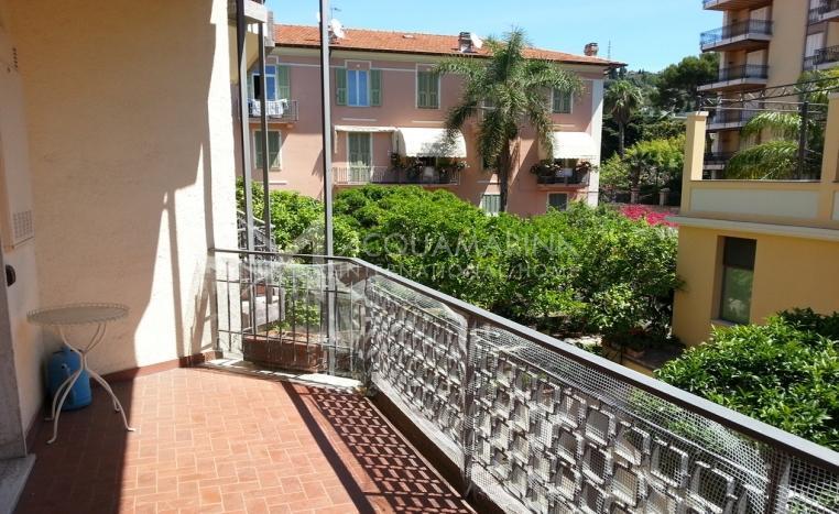 Central apartment for sale in Bordighera<br />1/13
