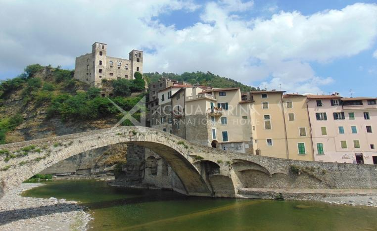 Dolceacqua apartment with terrace for sale<br />1/7