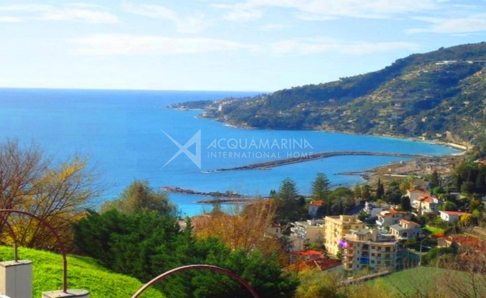 Ospedaletti sea view apartment for sale<br />1/13
