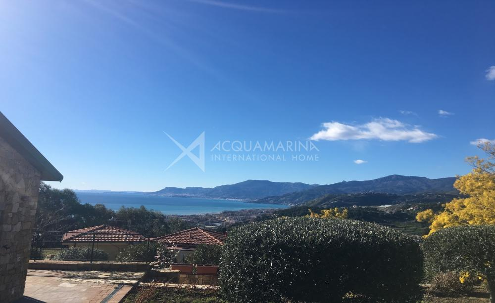 Luxury villa in Bordighera for rent<br />1/30