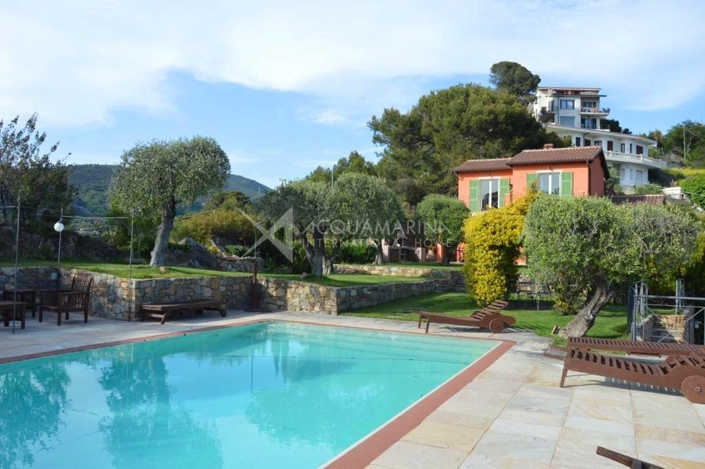 vallebona villa vista mare in vendita <br />1/12