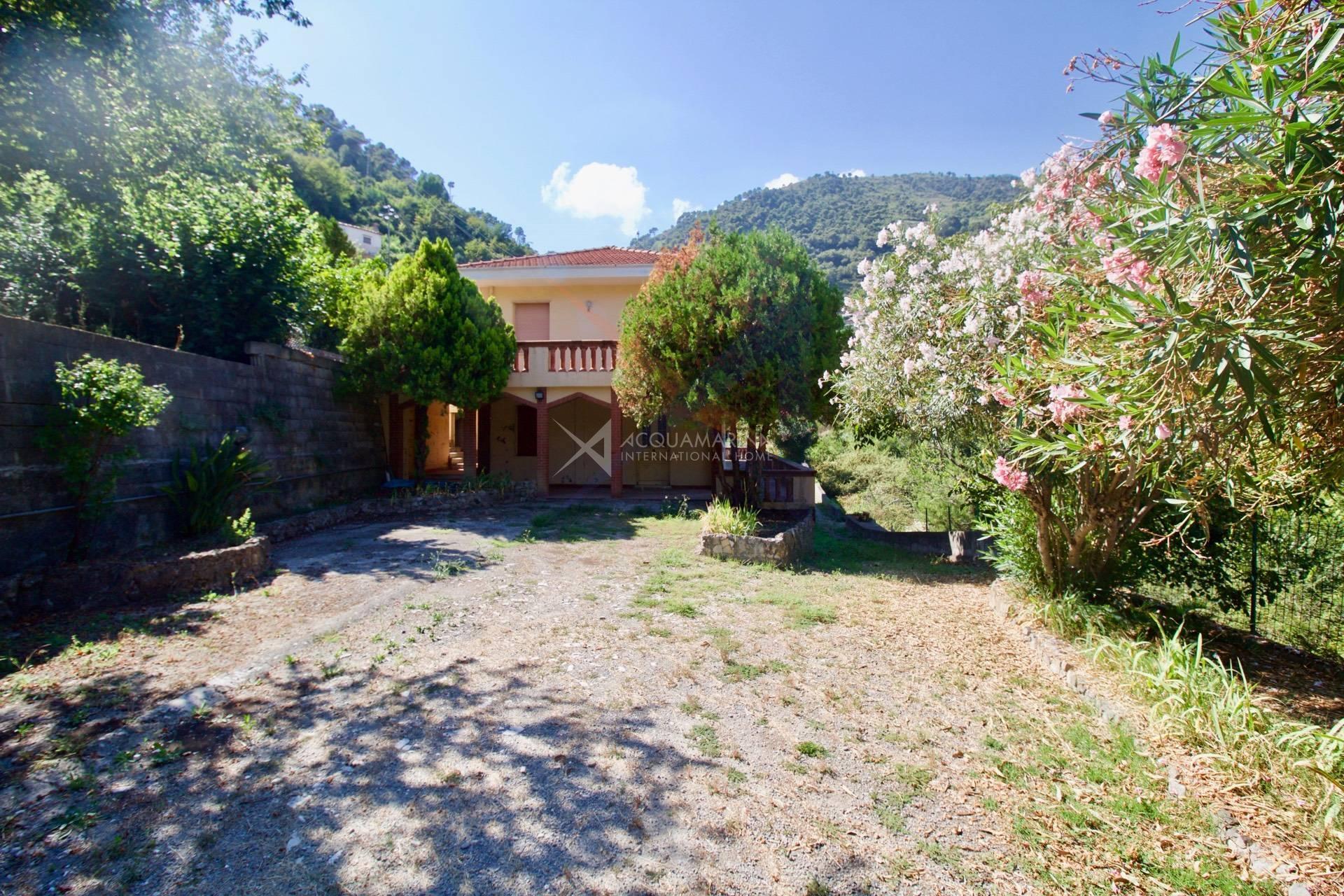 Ventimiglia (Latte-Sgorra) Villa con ampio terreno<br />1/8