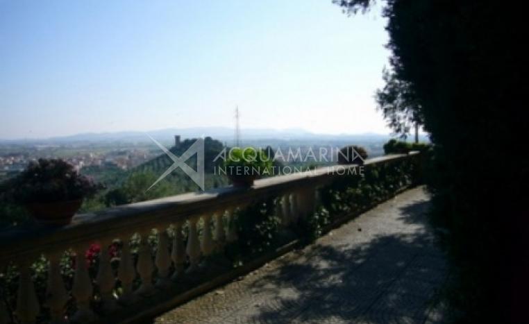 Campiglia Marittima Villa For Sale<br />1/3