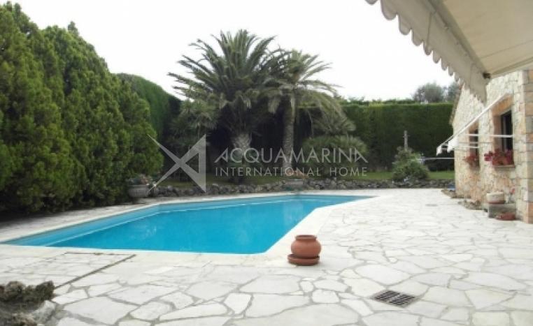 Mougins  Villa For Sale<br />1/1