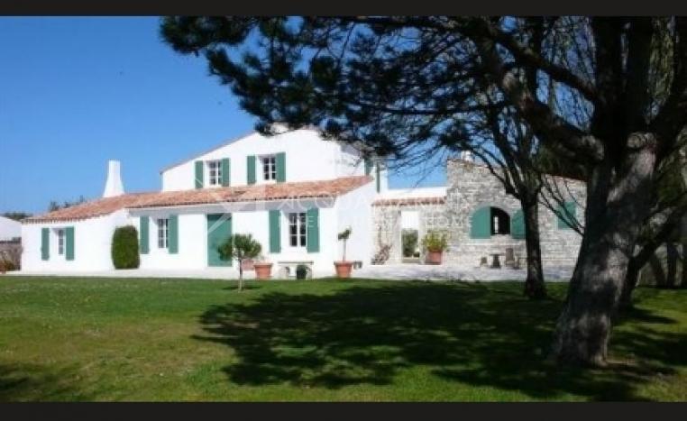 Ile de Ré Villa For Sale<br />1/2
