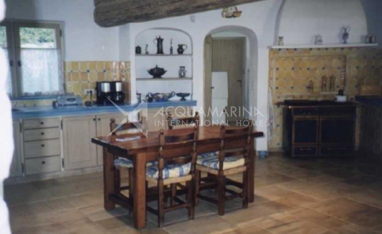 Roquefort-les-Pins Villa For Sale<br />1/3