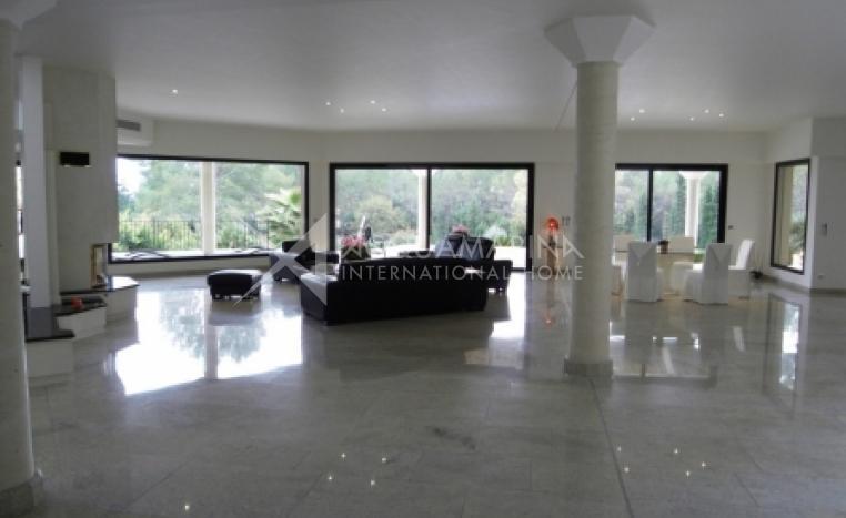 Mougins Villa For Sale<br />1/7