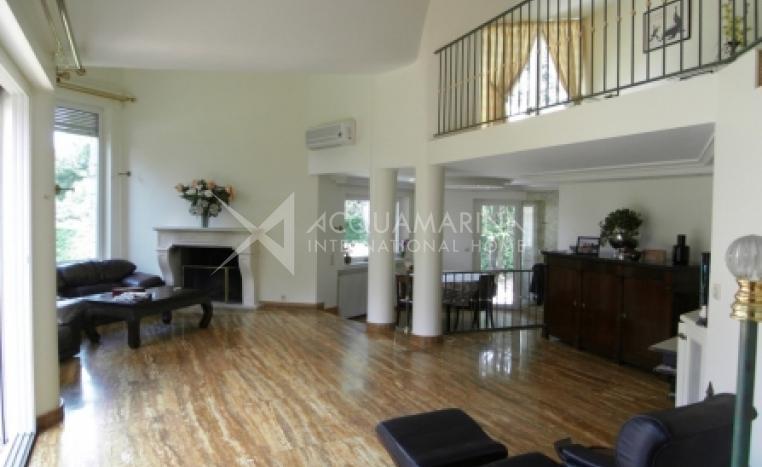 Mougins Villa For Sale<br />1/3