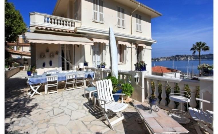 Villefranche-sur-Mer Apartment For Sale<br />1/2