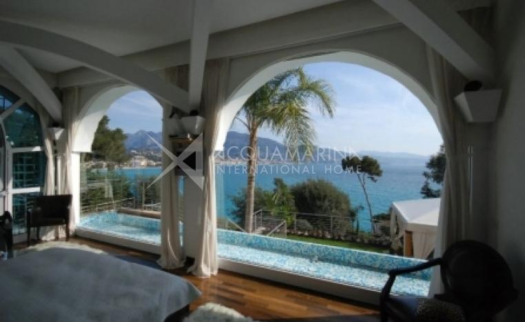 Roquebrune-Cap-Martin Villa For Sale<br />1/4
