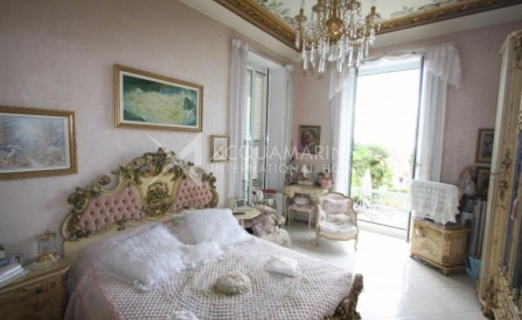 Menton Villa For Sale<br />1/2