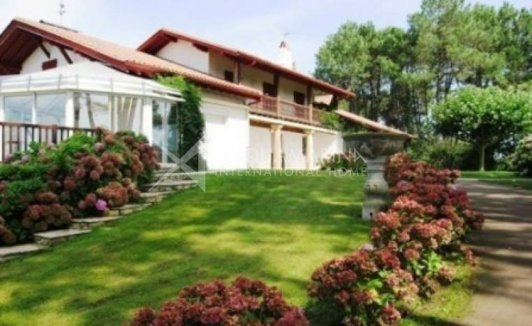 Saint-Jean-de-Luz Villa For Sale<br />1/1