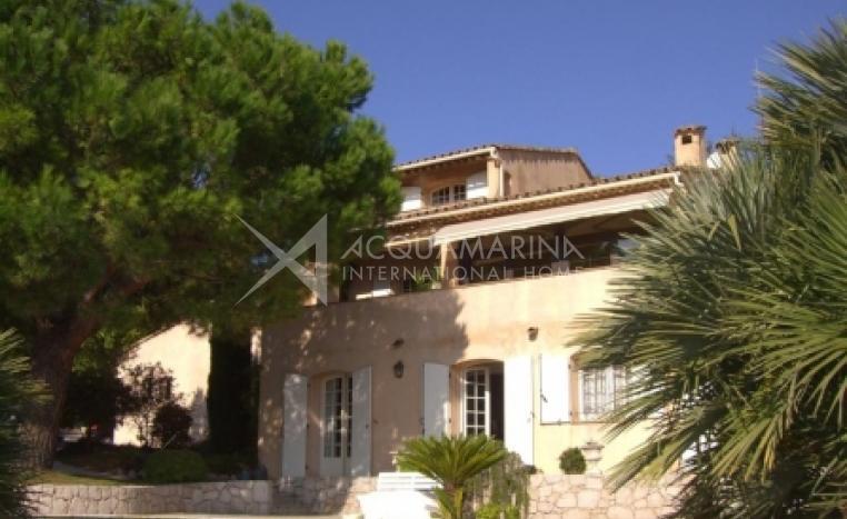 Éze-sur-Mer Villa For Sale<br />1/3