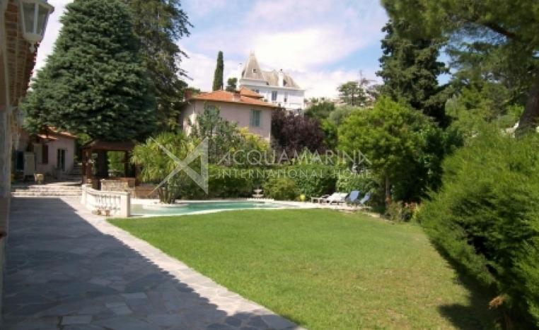 Vallauris Villa For Sale<br />1/2