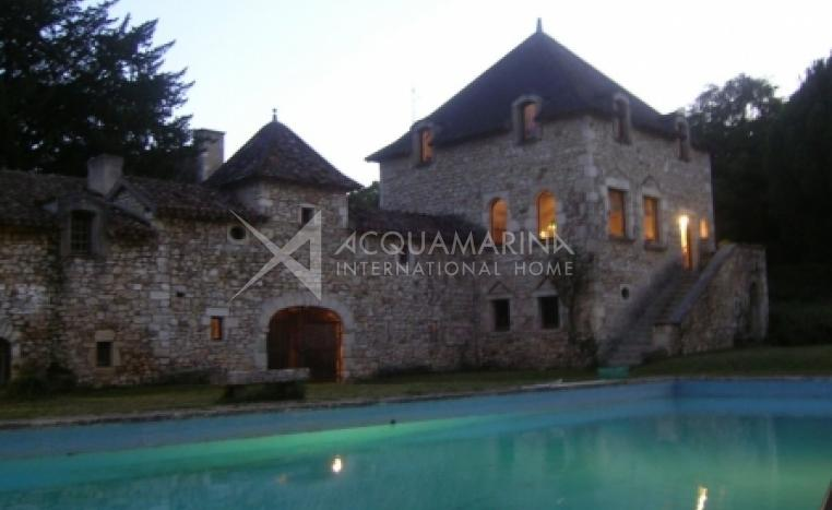 Poitiers Chateau / Mansion For Sale<br />1/3