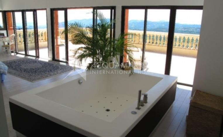 Grasse Villa For Sale<br />1/3