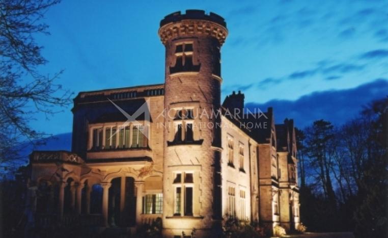 Breuil-Le-Sec Chateau / Mansion For Sale<br />1/3