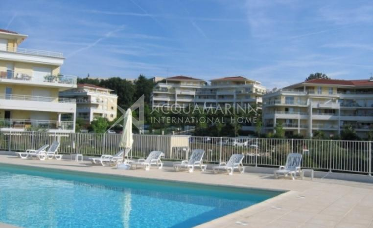 Antibes Apartment For Sale<br />1/4