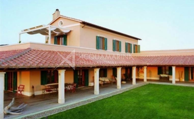 Capalbio Villa For Sale<br />1/8