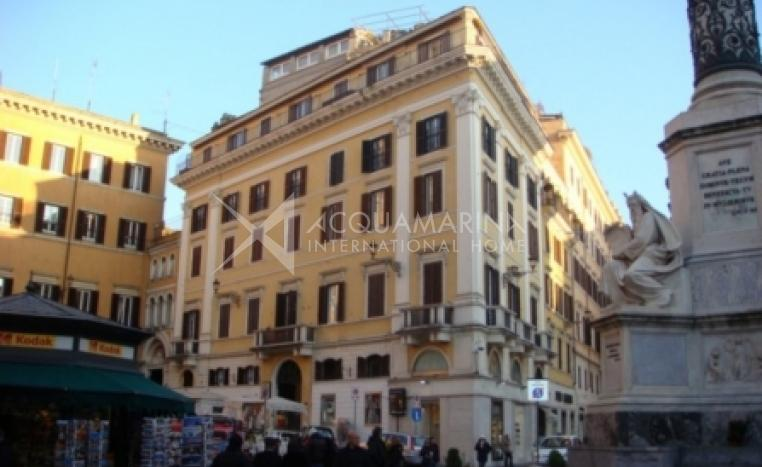 Roma Commercial Building For Sale<br />1/8