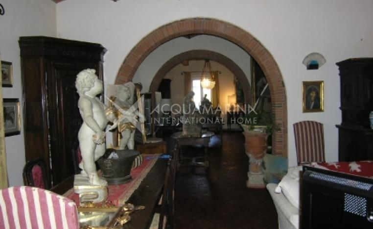 Bibbona Country Home For Sale<br />1/6