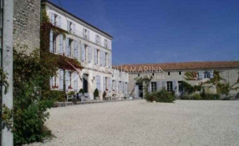 Saint-Genis-de-Blanzac Country Home For Sale<br />1/5