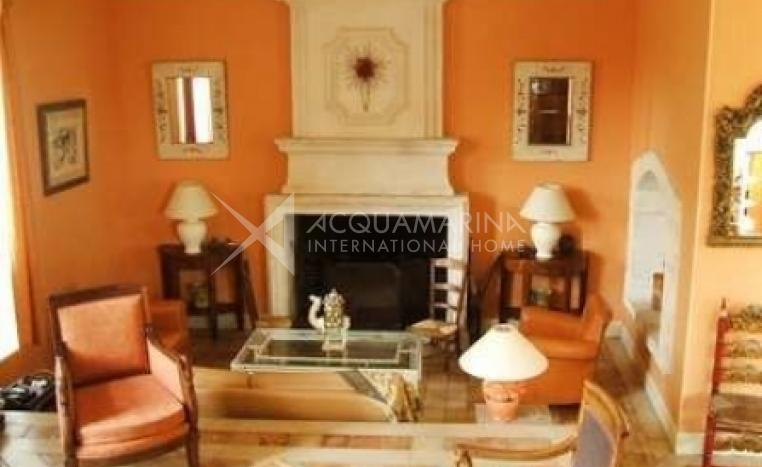 Angoulême Country Home For Sale<br />1/5