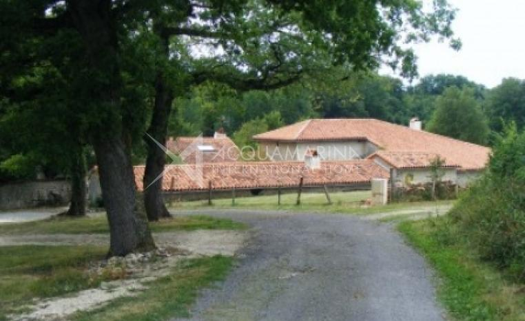 Mauprévoir Country Home For Sale<br />1/5