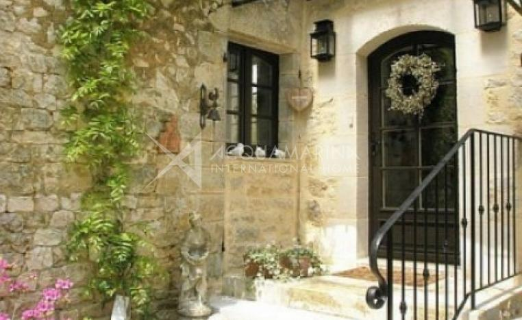 Gourdon Country Home For Sale<br />1/5