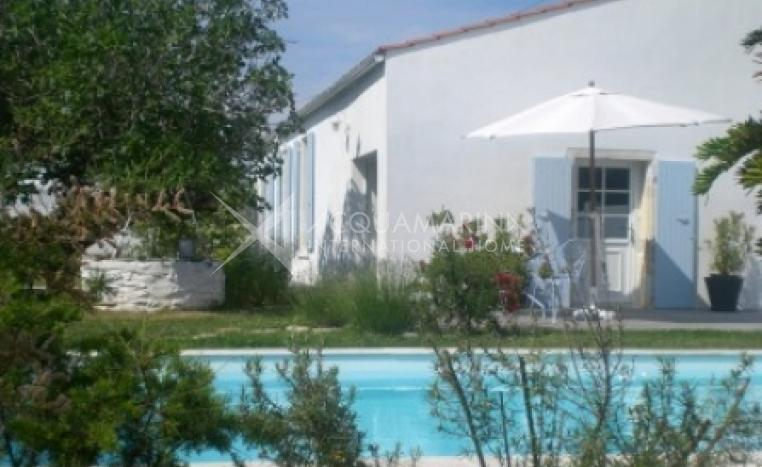Saint Georges d'Oleron Country Home For Sale<br />1/5