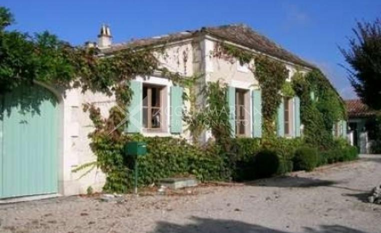 Montmoreau Country Home For Sale<br />1/5