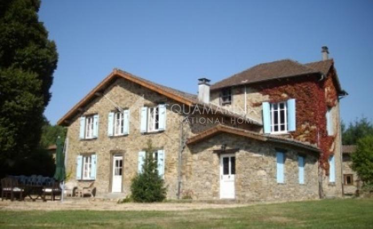 Châlus Country Home For Sale<br />1/5