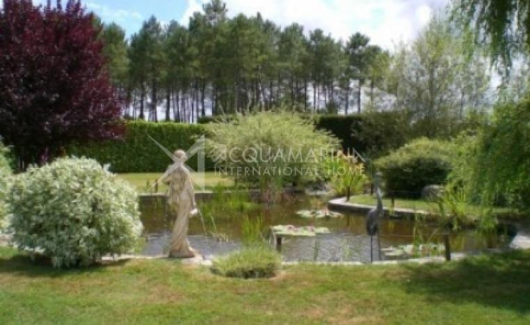 Casteljaloux Country Home For Sale<br />1/5