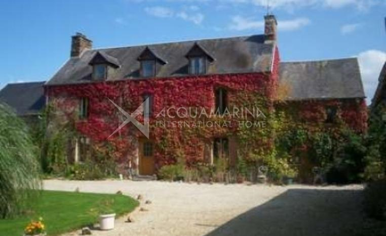 Périers Country Home For Sale<br />1/5