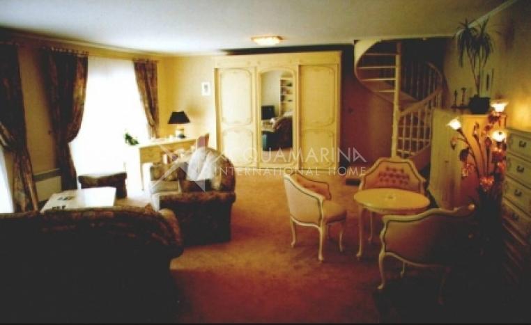 Besançon Chateau / Mansion For Sale<br />1/5