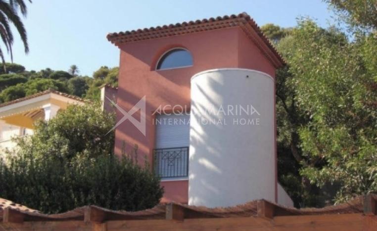 Sainte-Maxime Villa For Sale<br />1/2