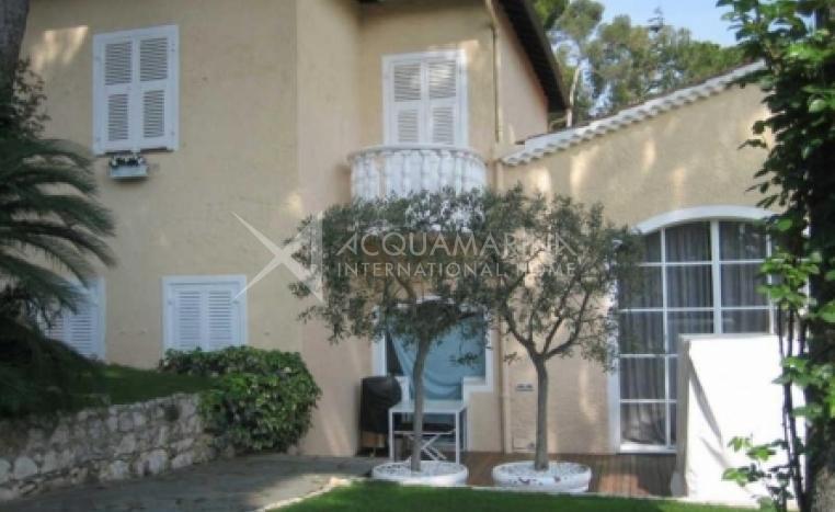 Saint-Jean-Cap-Ferrat Villa For Sale<br />1/3