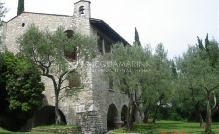 Padenghe Sul Garda Villa For Sale<br />1/8