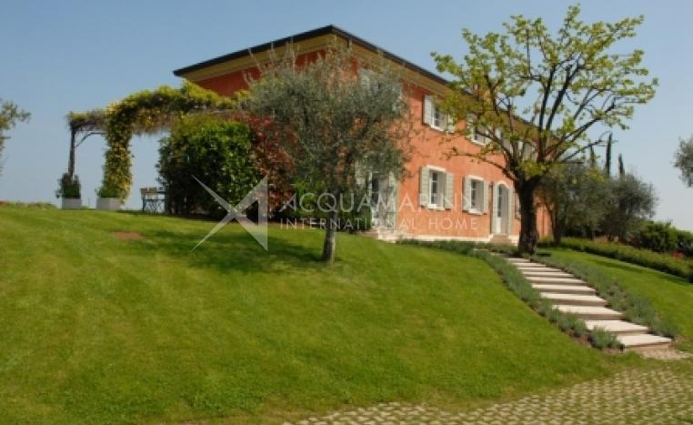 Polpenazze del Garda Villa For Sale<br />1/8