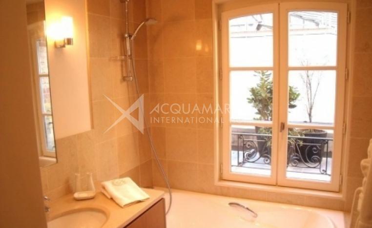 PARIS 8ème Apartment For Sale<br />1/4