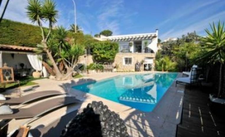 Cannes Villa For Sale<br />1/6