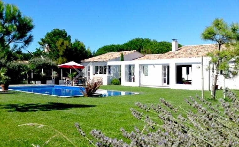 Sainte-Marie-de-Ré Villa For Sale<br />1/5