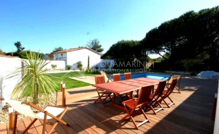 Le Bois-Plage-en-Ré Villa For Sale<br />1/7