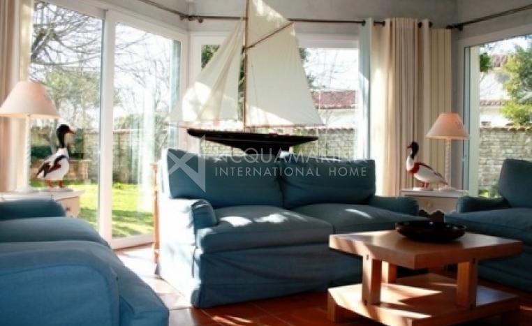 Saint Martin de Ré Country Home For Sale<br />1/8