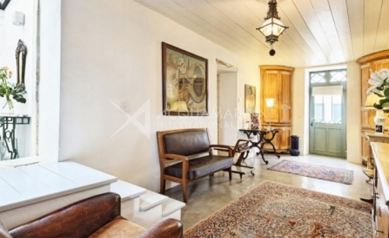 La Flotte Country Home For Sale<br />1/5