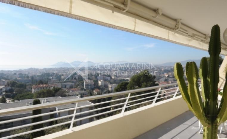 Le Cannet Apartment For Sale<br />1/3