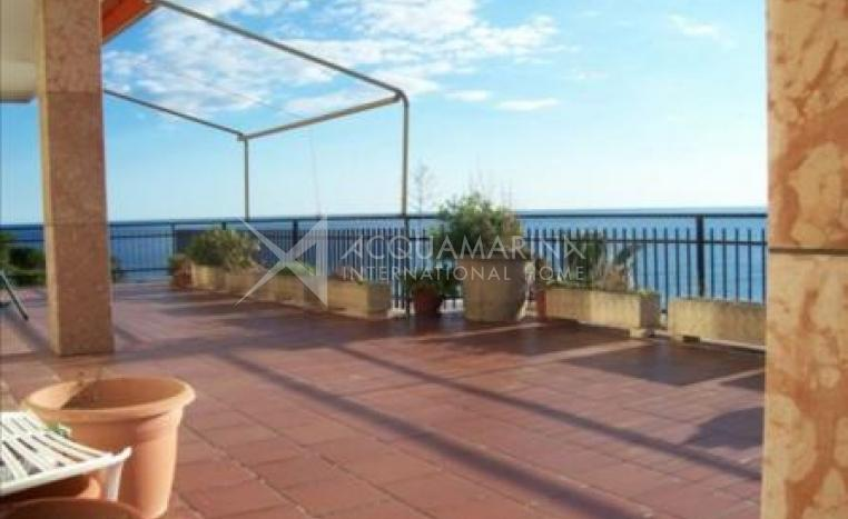 Luxury penthouse for sale in San Remo<br />1/6
