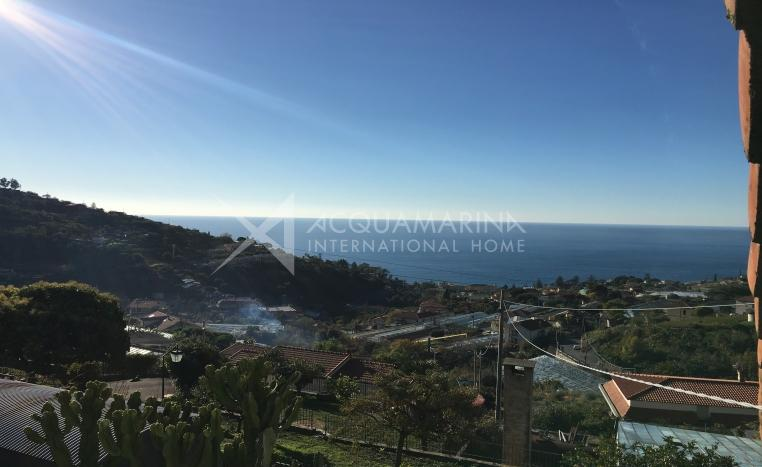 Sanremo Villa zu verkaufen mit Meerblick<br />1/10