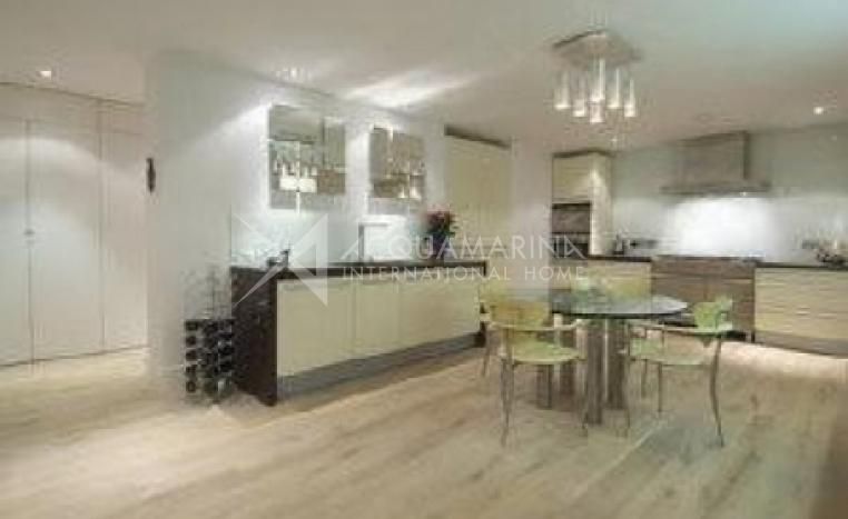 London Villa For Sale<br />1/4
