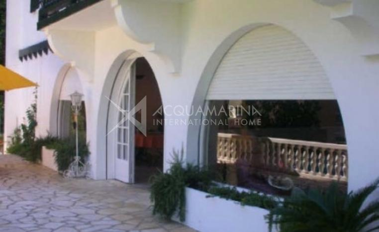 Biarritz Villa For Sale<br />1/2